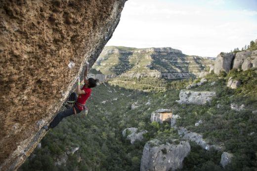 Sachi-Amma in Margalef - Kletterroute: EraVella - Fotocredit: Eddie Gianelloni für adidas